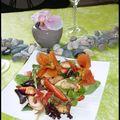 Salade aux crevettes et aux fleurs de capucines