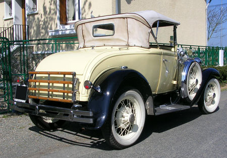 Ford_type_A_1930__La_girardi_re__02