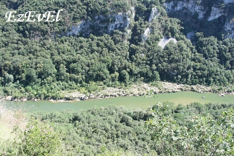 grotte saint marcel 5 EzEvEl