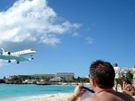 Maho_beach_petit_avion