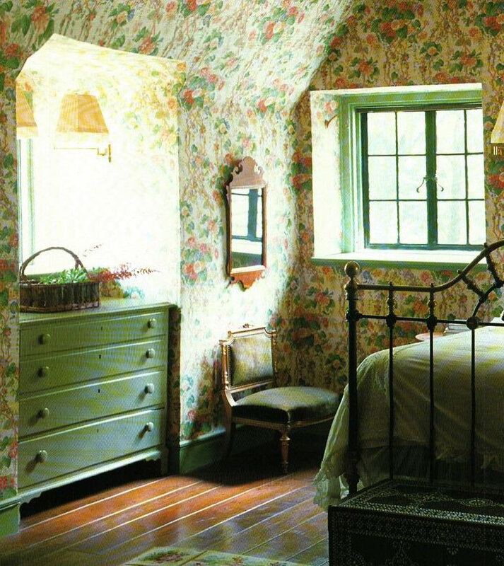 fbe68aa258193c9783ec0505df2e10fa--english-cottage-bedrooms-cottage-style-bedrooms