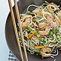 Nouilles chinoises aux légumes et crevettes