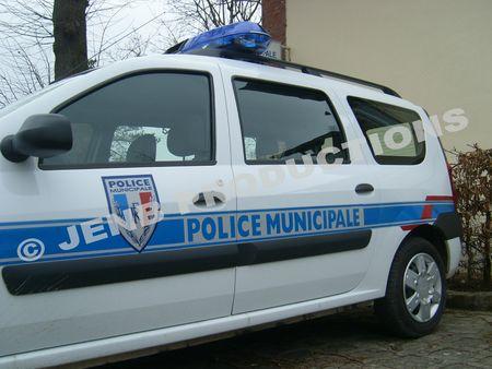 Véhicule de police municipale © JENB Productions