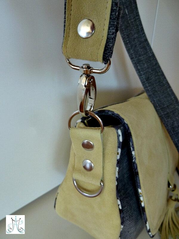 1 - MAG ATTACK - petite besace Villa - cuir jaune et tissu gris (5)