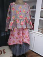 Blouse CERISE en coton gris imprimé fleurs et oiseaux rose vert jaune (9)
