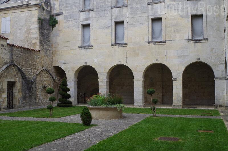 && cloître du prieuré St-Léger (3)