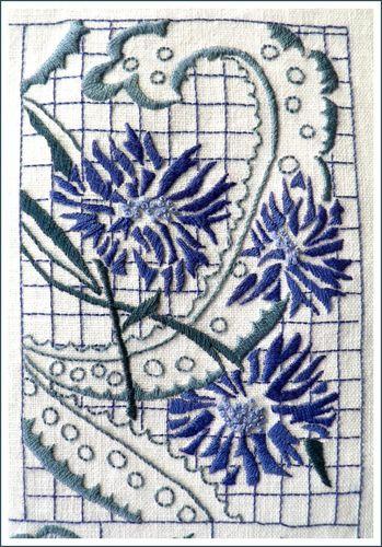 Broderie bleue n°11
