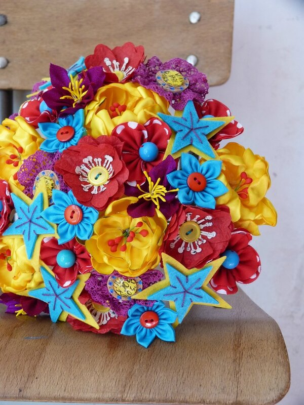 bouquet pop rock jaune bleu rouge3