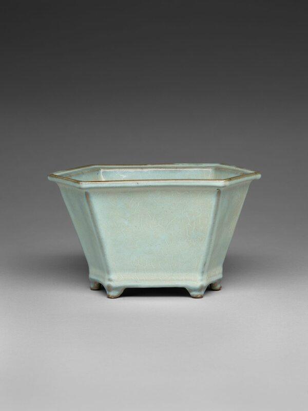 Elongated Hexagonal Flowerpot with Six Small Feet, Ming dynasty, 1368-1644, probably 15th century