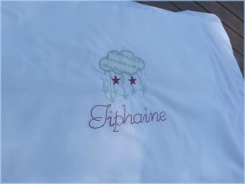 Taie nuage brodé Tiphaine