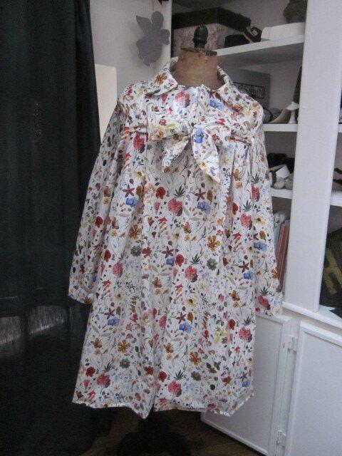 Ciré AGLAE en coton enduit Liberty Floral Eve fleuri fermé par un noeud dans le même tissu (4)