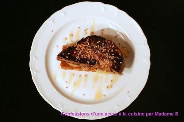 Foie gras poele, citron confit et pain d'épices 005