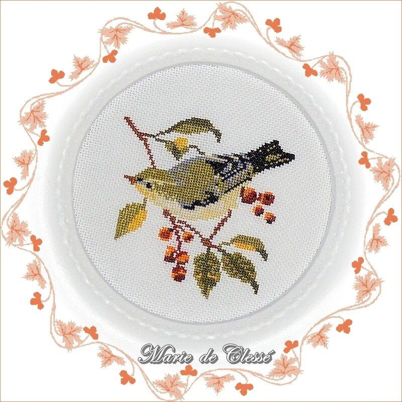 Cadre Romantique Rond 21,5x16,5cm-Ø10cm Oiseau sur branche fruits rouges (1)