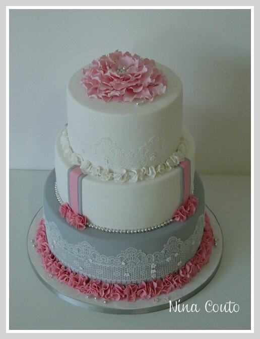 gateau mariage nimes blanc rose gris 3