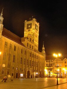 10_Torun___L_horloge_du_Ratusz_by_night