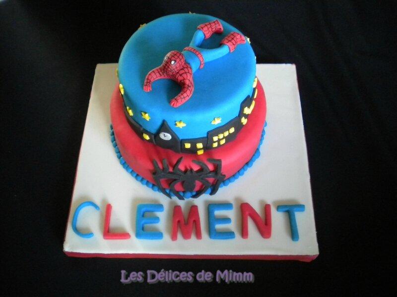 Gâteau Spider-man (pâte à sucre) 7