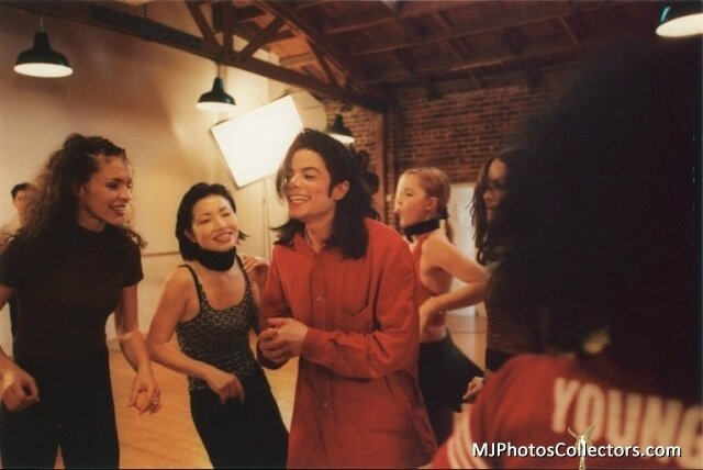 blood-on-the-dance-floor-mj-behind-the-scenes-19149778-640-428