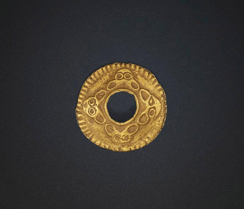 2019_NYR_18338_0504_000(a_circular_gold_ornament_northern_china_3rd_century_bc)
