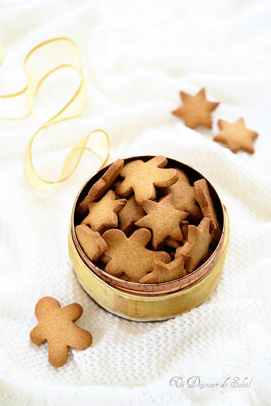 BISCUIT SCANDINAVES AUX EPICES