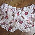 Culotte BIANCA en coton imprimé timbres rose et beige - coton imprimé timbre et coton blanc dans le dos - noued de vichy beige devant et sur les fesses (5)