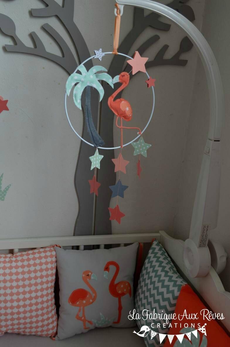 mobile éveil bébé flamant rose étoiles corail saumon vert eau gris ...
