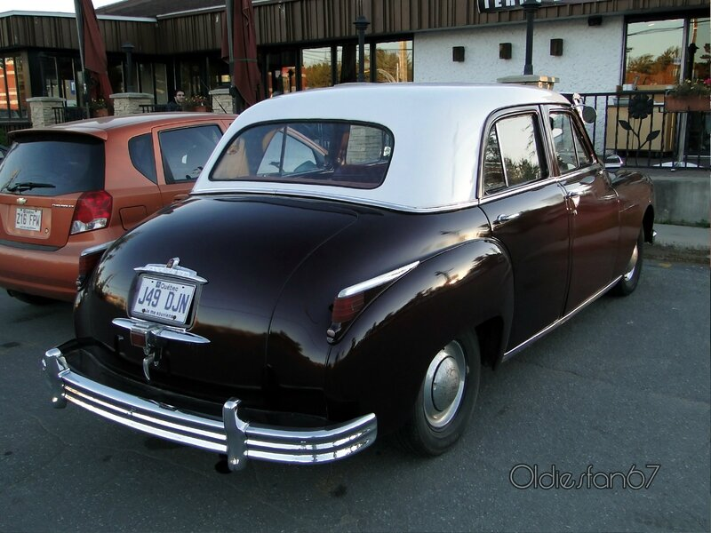 plymouth-deluxe-sedan-1949-b