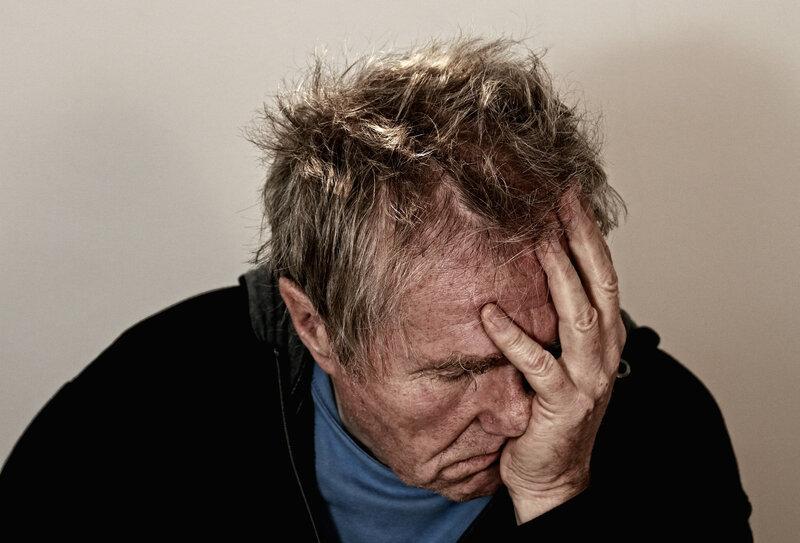 Homme déprimé (crédit: Pixabay.com)