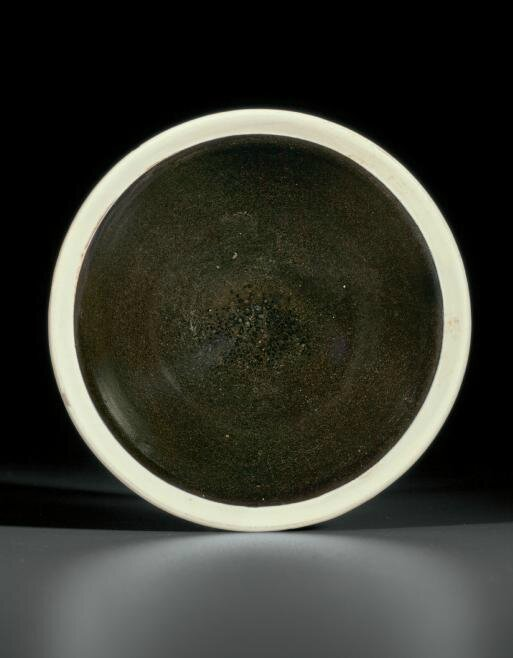 A Cizhou-type blackish-brown-glazed bowl with white rim, Northern Song dynasty (AD 960-1127)