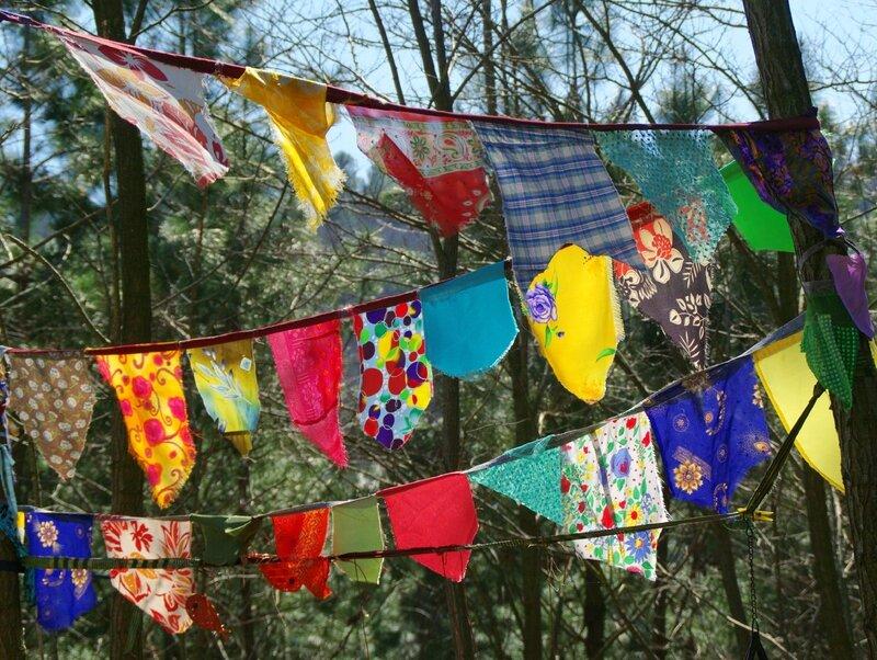 drapeaux dans le souffle du vent yurtao