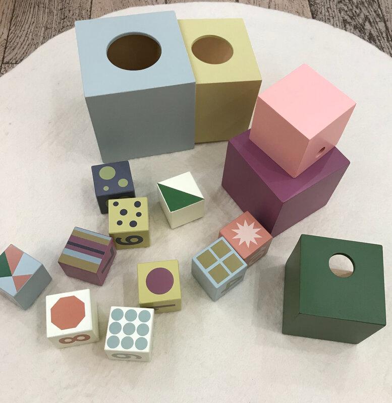 Cubes 10 pièces 33,50 euros Cubes 5 pièces 38,50 euros