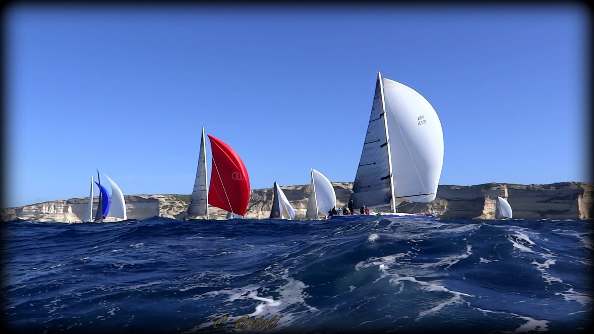 Une Flottille glisse le long des siècles !...