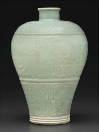 A rare large Qingbai carved vase, meiping, Yuan dynasty (1279-1368)