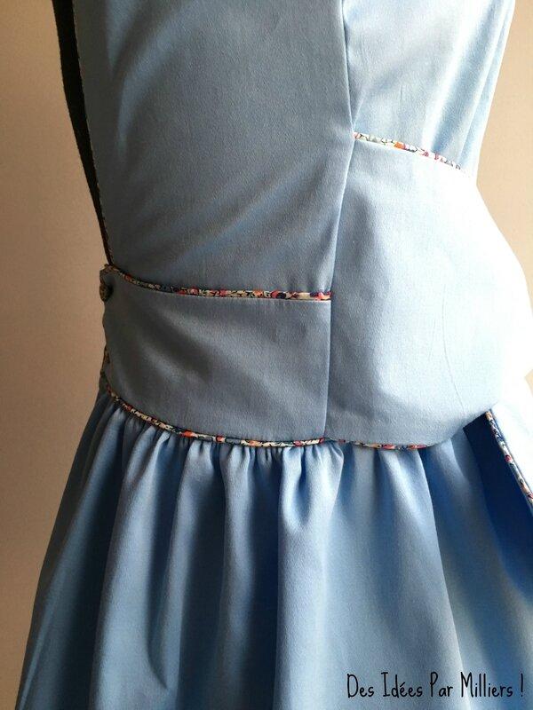 Robe Alicia - Des Idées Par Milliers - Détail Côté - Bleu et Liberty