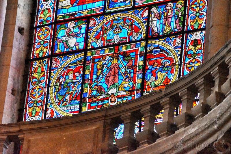 Le vitrail de la Crucifixion de la cathédrale de Poitiers – Aliénor d'Aquitaine, Henri Plantagenêt - Thibaud V de Blason et Valence de Mauzé (4)