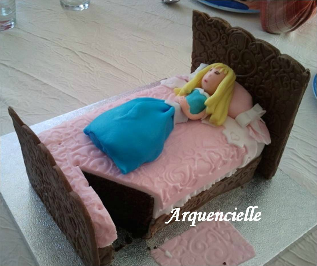 Gâteau belle au bois dormant sleeping beauty cake coupé