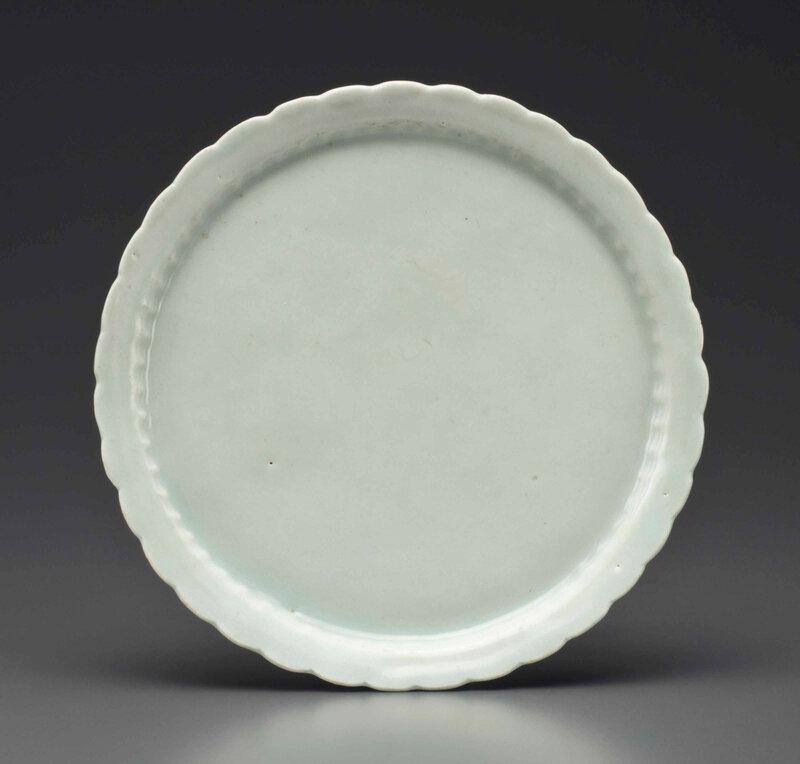 A rare Qingbai shallow dish, Southern Song-Yuan dynasty, 13th-14th century