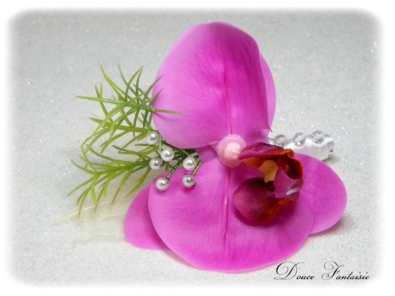 Broche fleur orchidée fuchsia mariage
