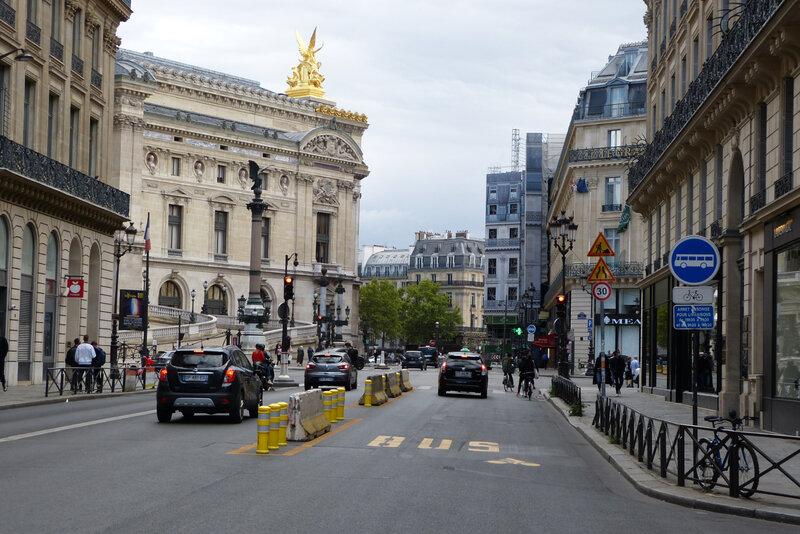 060920_couloir-rue-auber