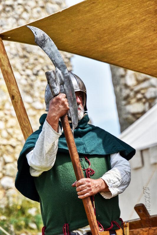 Guerre de cent ans dans le Poitou, château d'Angle sur l'Anglin