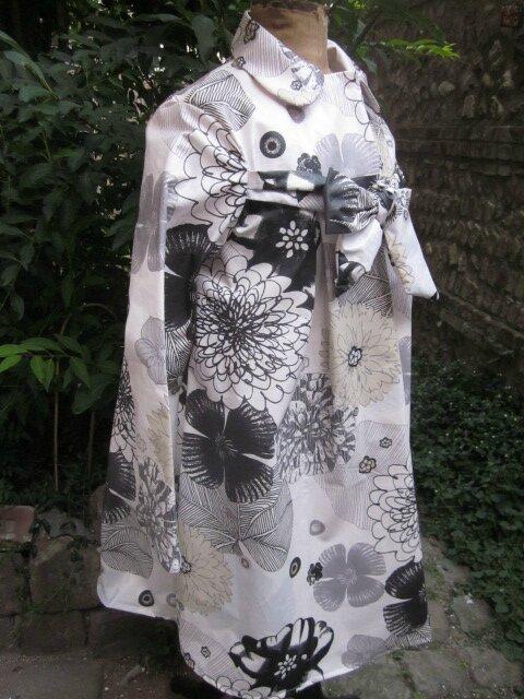 Ciré AGLAE en coton enduit blanch imprimé fleuri gris noir beige fermé par un noeud sans le même tissu (2)