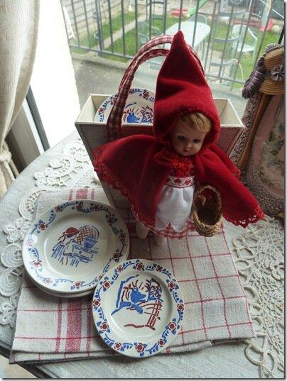 Petit Chaperon Rouge Très à la mode en ce moment,