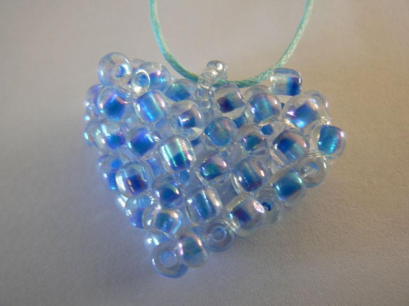 pendentif COEUR bleu clair transparent