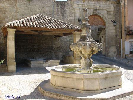 Photo_040_MALEMORT_1759__place_de_la_republique
