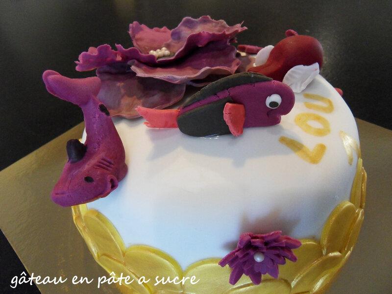 gâteau en pâte a sucre2