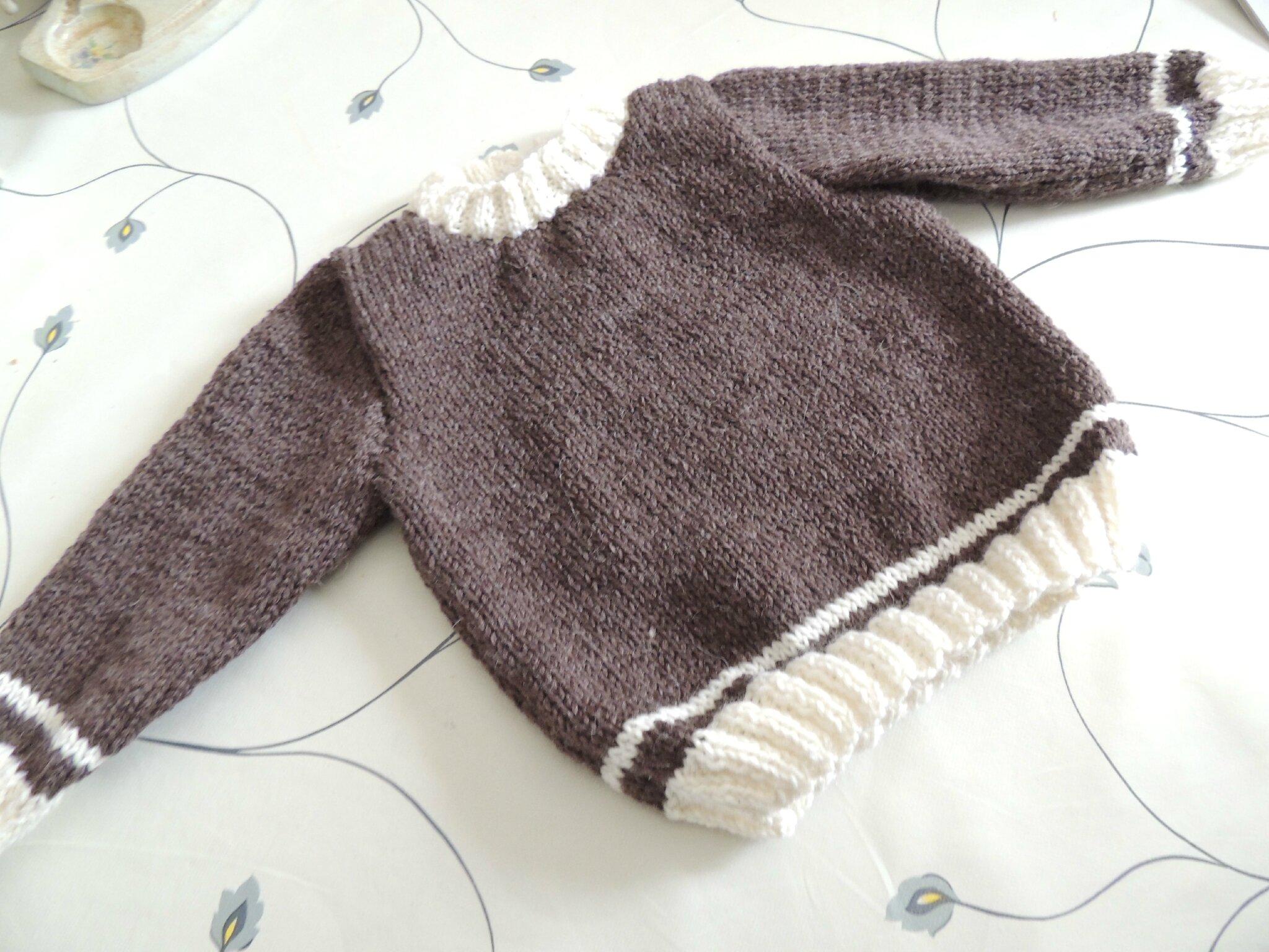 fae7fbb6a295d Modele tricot pull fille 2 ans gratuit - Chapka