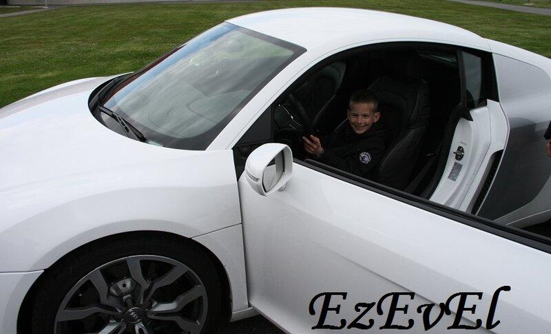 R8 EzEvEl