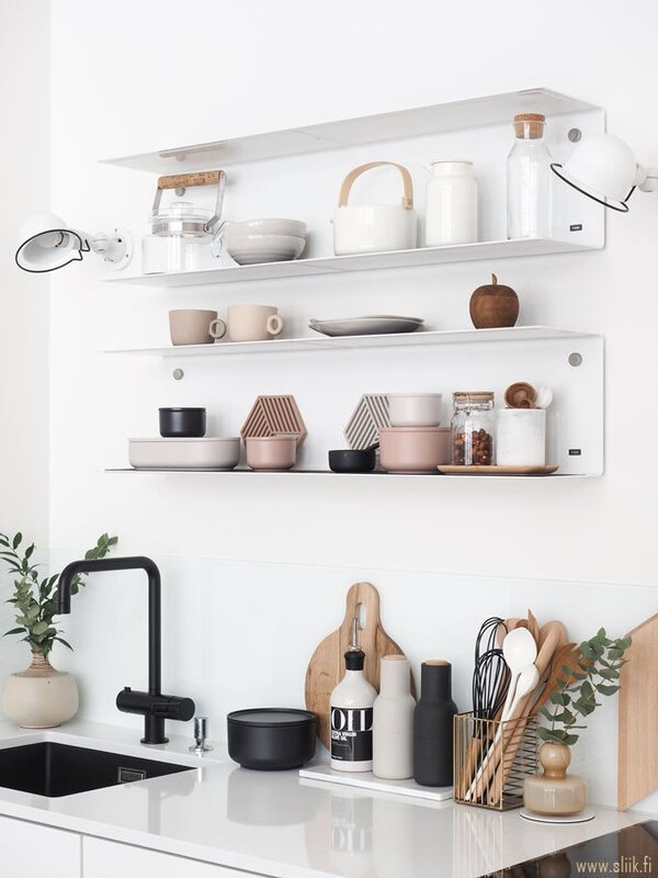 etageres dans la cuisine moderne (24)