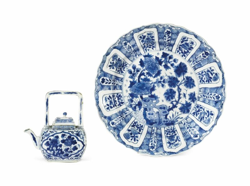 A blue and white faceted ewer and cover, Kangxi period (1662-1722)