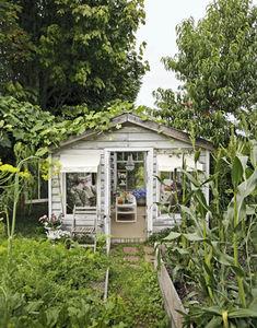 greenhouse_exterior_de_37094954_1_