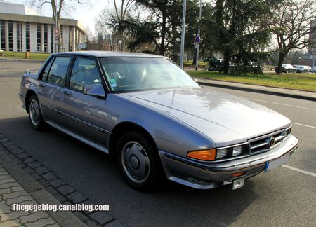 Pontiac bonneville SSE 4 door sedan (1987-1991)(Retrorencard mars 2013) 01